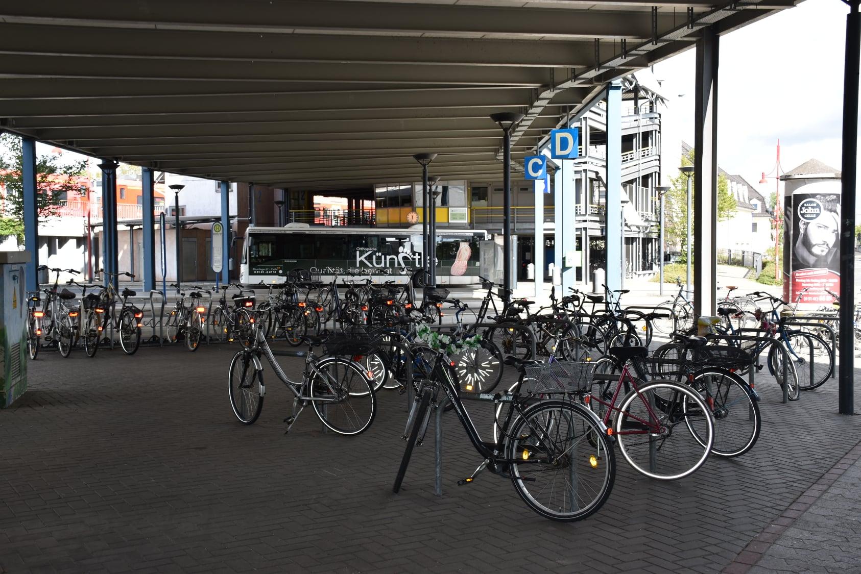 Fahrräder am Bahnhof